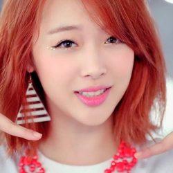 Sulli là một trong những nữ ca sĩ thần tượng được yêu thích hàng đầu của K-pop