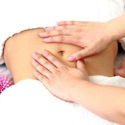 Mát xa bụng khéo là một biện pháp giúp giảm mỡ bụng