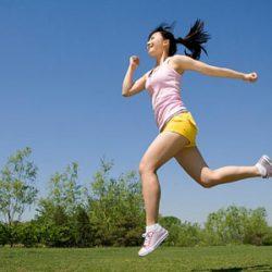 Chạy bộ và vận động nhiệt huyết giúp đốt calo giảm mỡ thần tốc